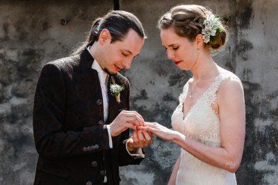journalistieke trouwfoto's van de ceremonie